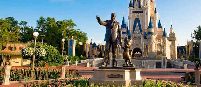 7 Things To Avoid Saying To A Disney World Addict